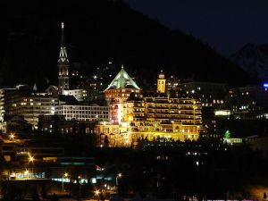 800px-St._Moritz_by_night