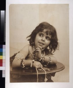 800px-Jetta_(Bedouin_child)._(Taken_during_the_1904_World's_Fair)